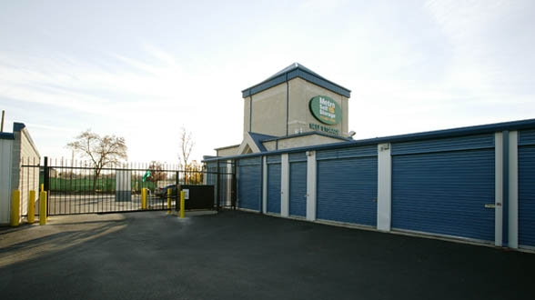Metro Self Storage - Chicago/ West 105th St - Photo 2