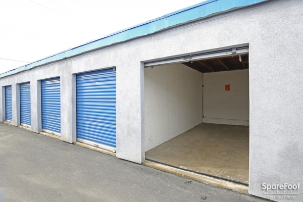 A-American Self Storage - Santa Fe Springs - Photo 10