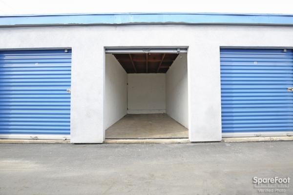 A-American Self Storage - Santa Fe Springs - Photo 11
