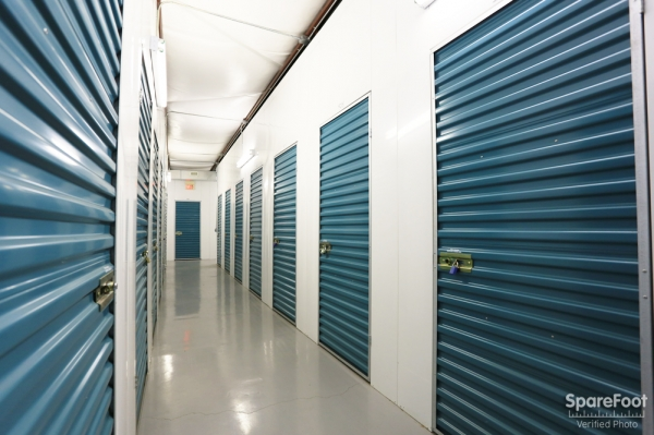 BullsEye Storage - Airline - Photo 14