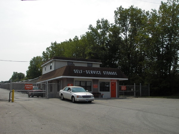 A Shur-Lock Self Storage - Maryland Heights - Photo 4