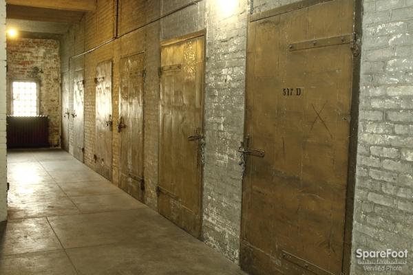 Metropolitan Storage - Photo 22
