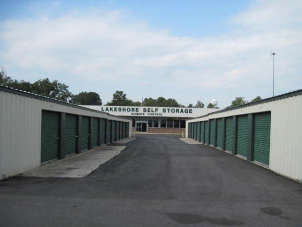 Lakeshore Storage - Photo 3