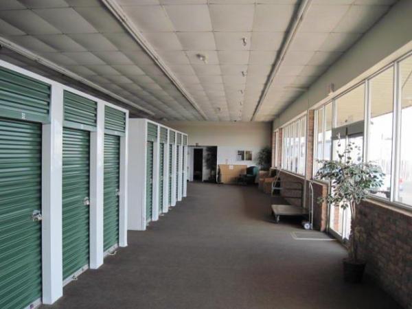 Lakeshore Storage - Photo 4