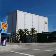 Safeguard Self Storage - Miami - SW 28th - 2650 SW 28th Ln, Miami FL 33133 - Storefront
