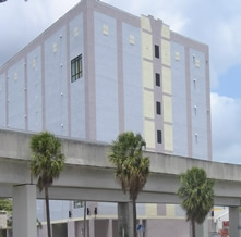 Safeguard Self Storage - Miami - SW 28th - Photo 3