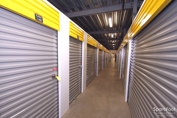 Safeguard Self Storage - Darien - Lemont Rd - Photo 9