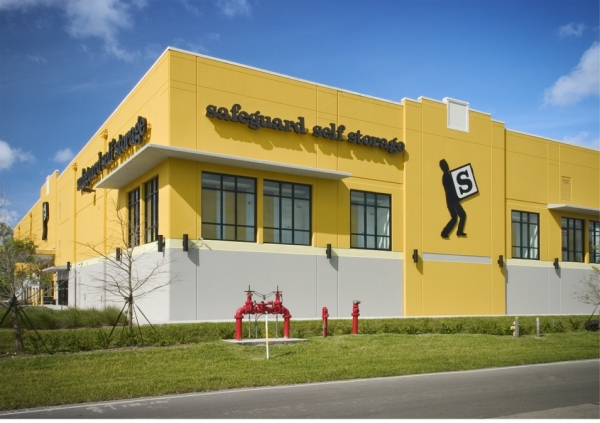 Safeguard Self Storage - Miami - Park Centre Blvd - Photo 1