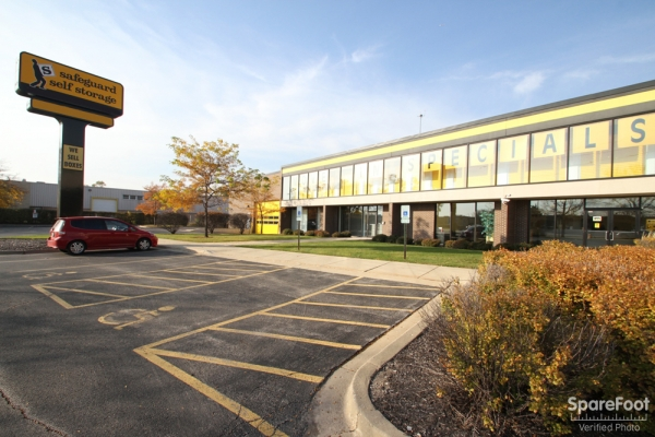 Safeguard Self Storage - Des Plaines - Mannheim Rd - 2020 Mannheim Rd, Des Plaines IL 60018 - Road Frontage