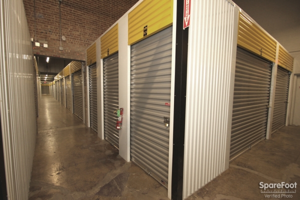 Safeguard Self Storage - Des Plaines - Mannheim Rd - Photo 9