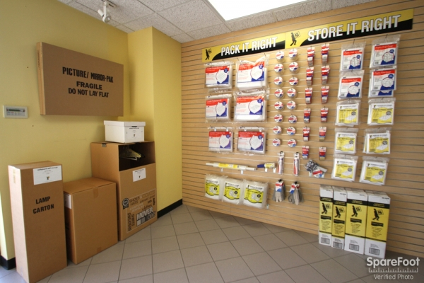 Safeguard Self Storage - Des Plaines - Mannheim Rd - Photo 15