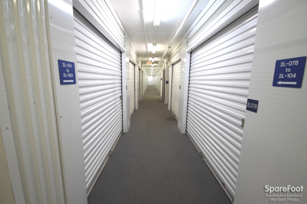 Simply Self Storage - Glenview/Niles - Photo 11