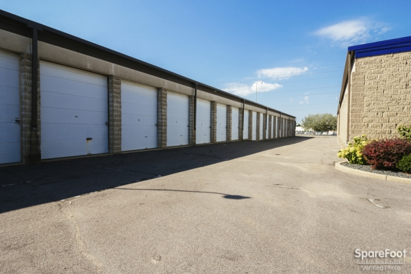 Simply Self Storage - Burnsville - Photo 6