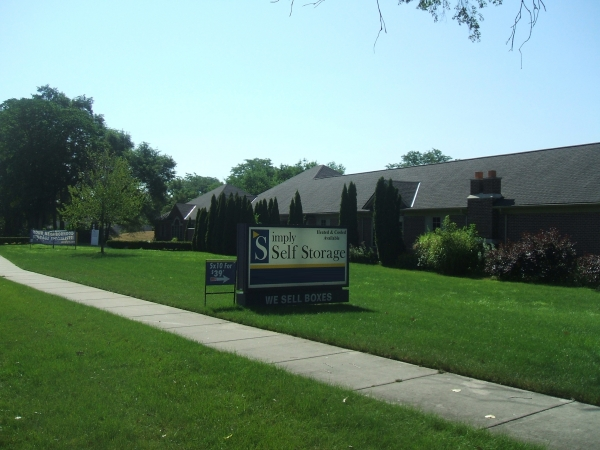 Simply Self Storage - Dearborn Heights - Photo 1