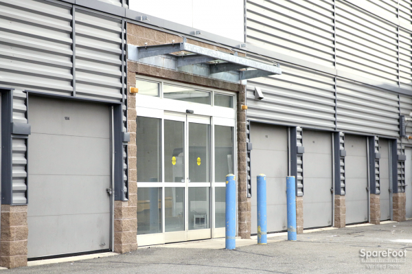 Simply Self Storage - Beacon Street - Photo 2