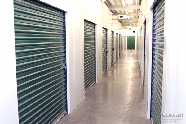 Simply Self Storage - Beacon Street - Photo 4