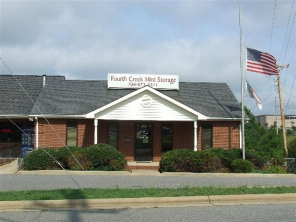 Fourth Creek Mini Storage - 120 Pump Station Rd, Statesville NC 28625 - Storefront