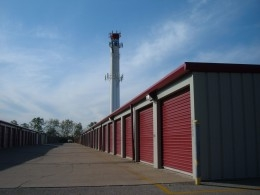 Simply Self Storage - Norwood - 4900 Franklin Ave, Cincinnati OH 45212 - Driving Aisle · Drive up Units