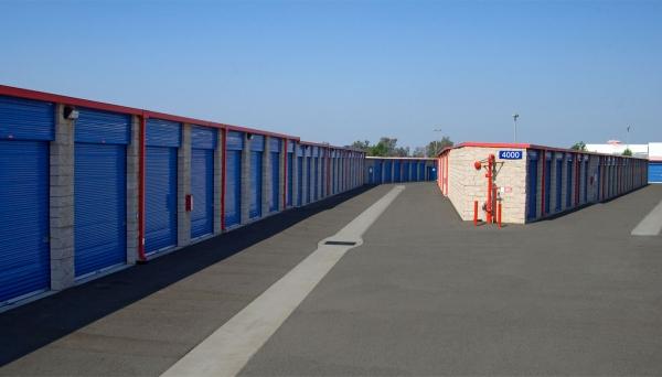 Price Self Storage Azusa - Photo 10