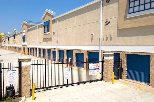 Price Self Storage National Boulevard - Photo 9