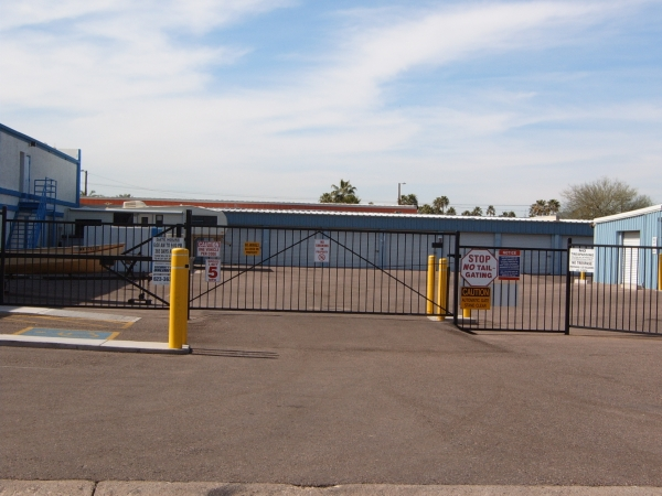 American Self Storage - East - Photo 4