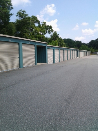 Simply Storage - Storage Court - Photo 1