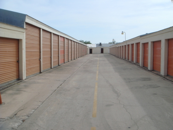 Alamo Eisenhauer Mini-Storage - Photo 9
