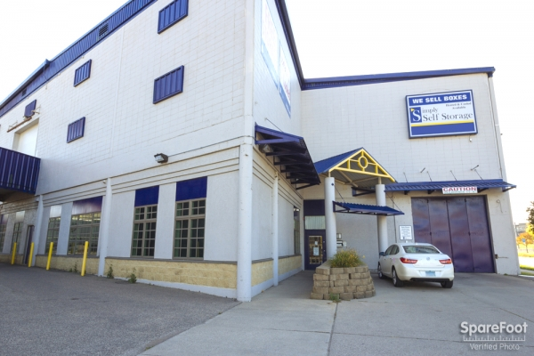 Simply Self Storage - Hiawatha II/Minneapolis - 3601 Hiawatha Ave, Minneapolis MN 55406 - Storefront