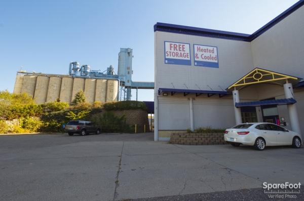 Simply Self Storage - Hiawatha II/Minneapolis - Photo 2
