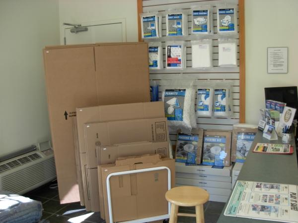 Standard Storage - Photo 5