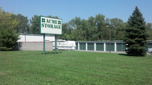 Acme Storage - 32843 Cleveland St, Rockwood MI 48173 - Drive-up Units