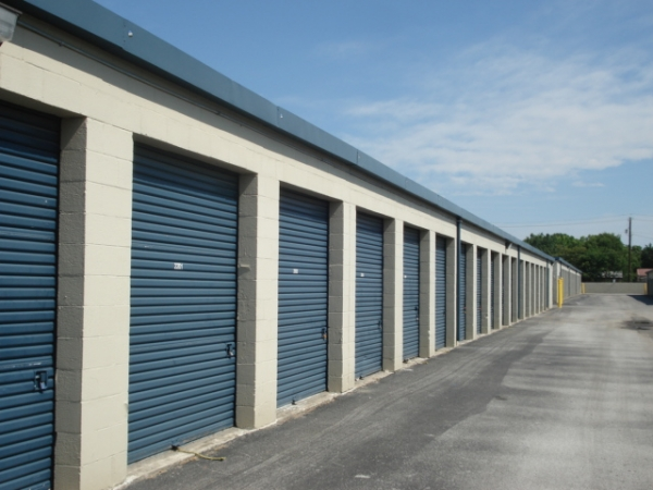 Watson & Taylor Self Storage - Garland - Photo 2