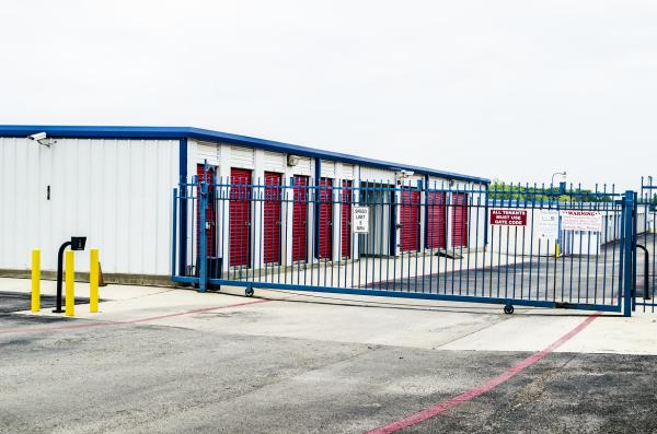 Storage & Moving Logistics - Fort Worth - Photo 1