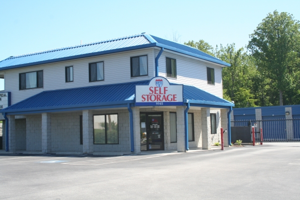 Route 1 Self Storage - White Marsh - 8115 Perry Hills Rd, Baltimore MD 21236 - Storefront