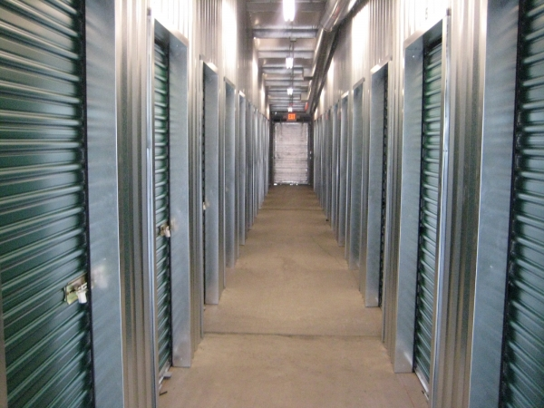 Big Y Storage - Photo 5
