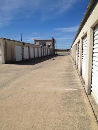 Handy Space Mini Storage - Route 410 - Photo 3