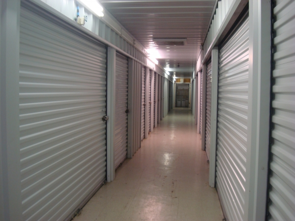 Town & Country Self-Storage - Photo 2