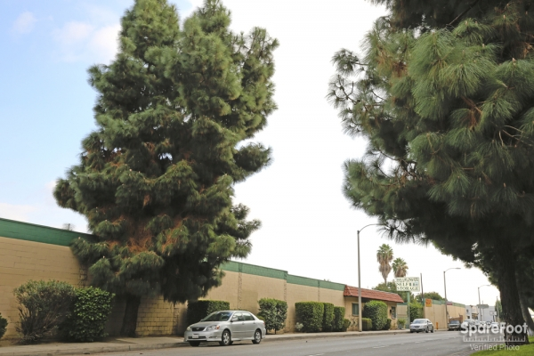 Bellflower Self Storage - Photo 3