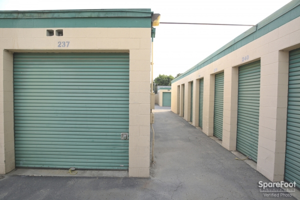Bellflower Self Storage - Photo 10