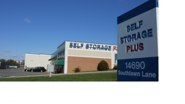 Self Storage Plus - Southlawn - Photo 8