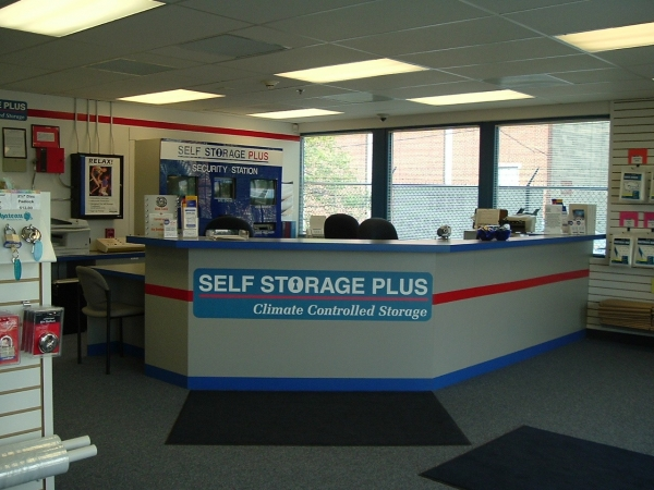 Self Storage Plus - Ball Street - Photo 2