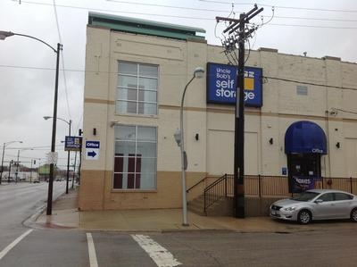 Uncle Bob's Self Storage - Chicago - West Pershing Road - Photo 1