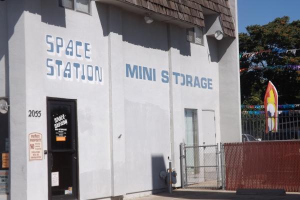 Space Station Mini Storage - Photo 2