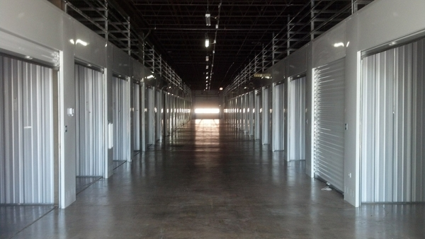The Lock Up Storage Centers - Galewood - Photo 2
