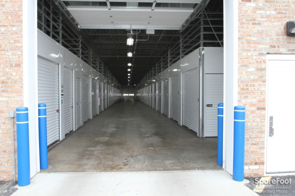 The Lock Up Storage Centers - Galewood - Photo 6