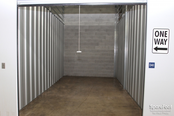 The Lock Up Storage Centers - Galewood - Photo 8