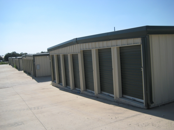 Hubbert Self Storage - Photo 4