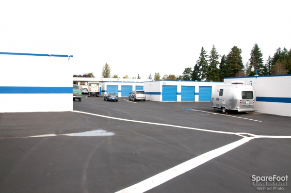 Storage Court of Shoreline - Photo 11