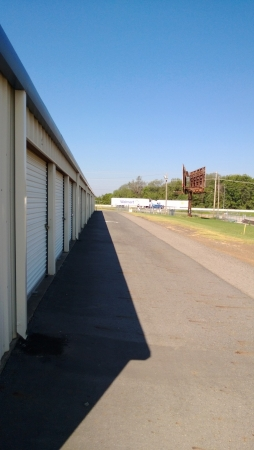 I-40 Storage Inc - Photo 16
