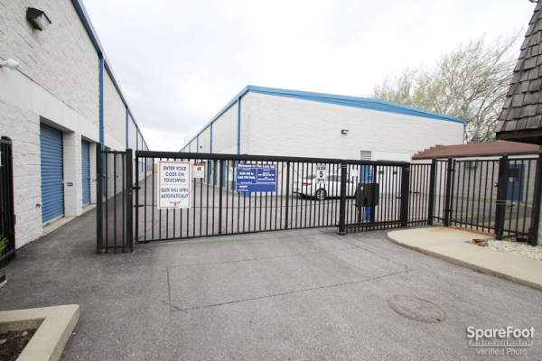 The Lock Up Storage Centers - River Grove - Photo 5